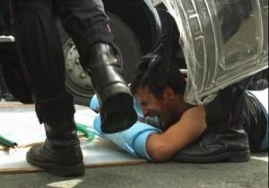pestaggio polizia