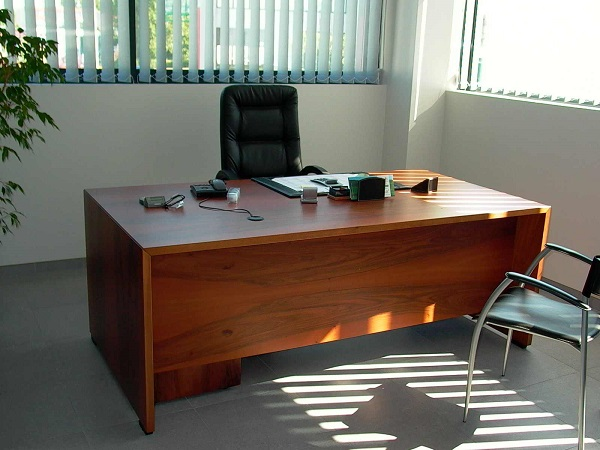 Ufficio Scrivania Jobs : Scrivania ufficio centumcellae news