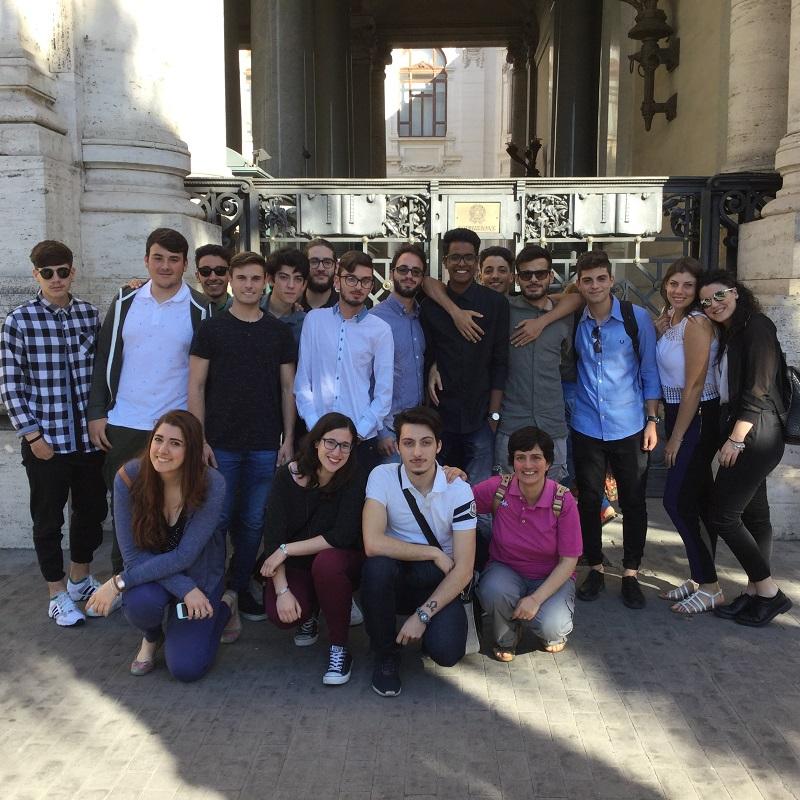 Firenze, insegnare a tutti: Don Milani entra al Miur